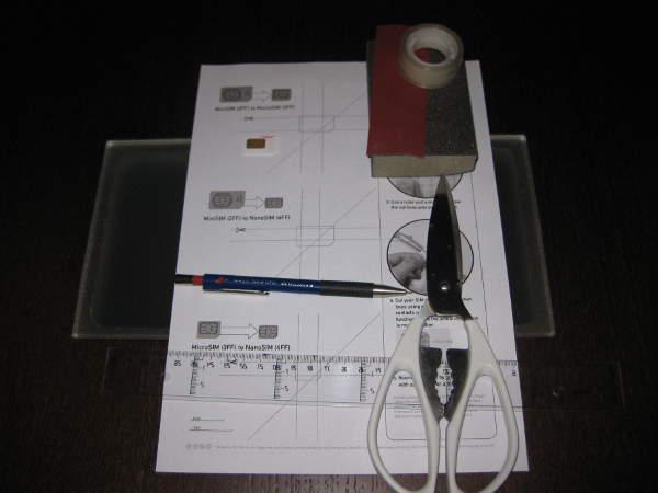 Materiales necesarios para cortar TARJETA SIM