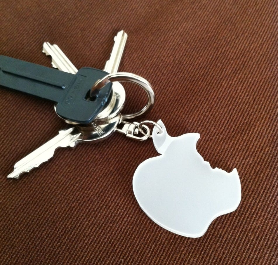 la foto 1 e1322306141489 Un llavero de Apple para acompañar a tu iPhone en el bolsillo