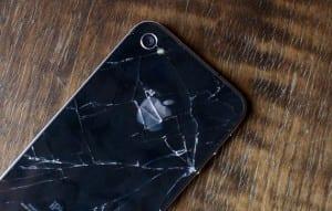 iPhone con el cristal roto