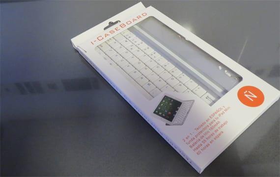 teclado mini ipad en la caja