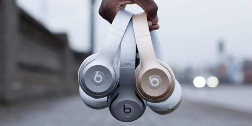 Auriculares Beats Solo en conjunto
