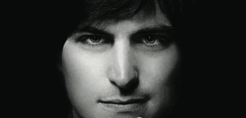 Steve-Jobs-el-hombre-maquina