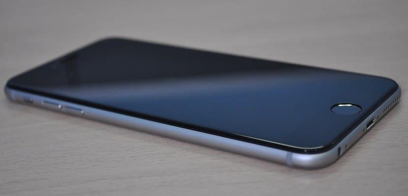 f93fa65e38f Merece la pena un protector de cristal templado para iPhone?