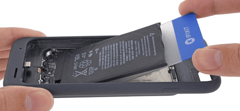iFixit analiza la Smart Battery Case de Apple