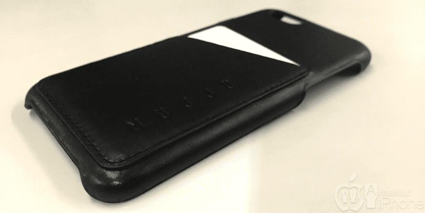 Mujjo-black-leather-case