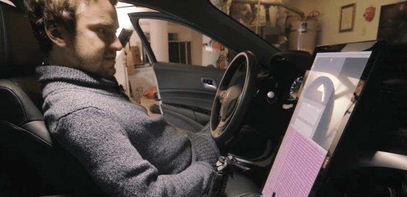 GeoHot en su coche autónomo