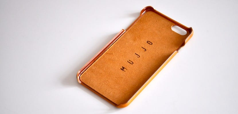 Mujjo-Leather-Case-03