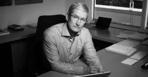 Tim Cook en el despacho