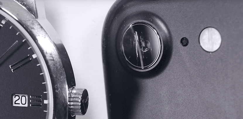 Test de resistencia del Zafiro de la lente de la cámara del iPhone