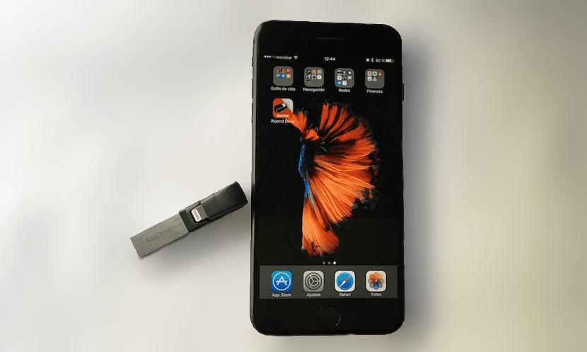 iXpand Flash Drive 32GB