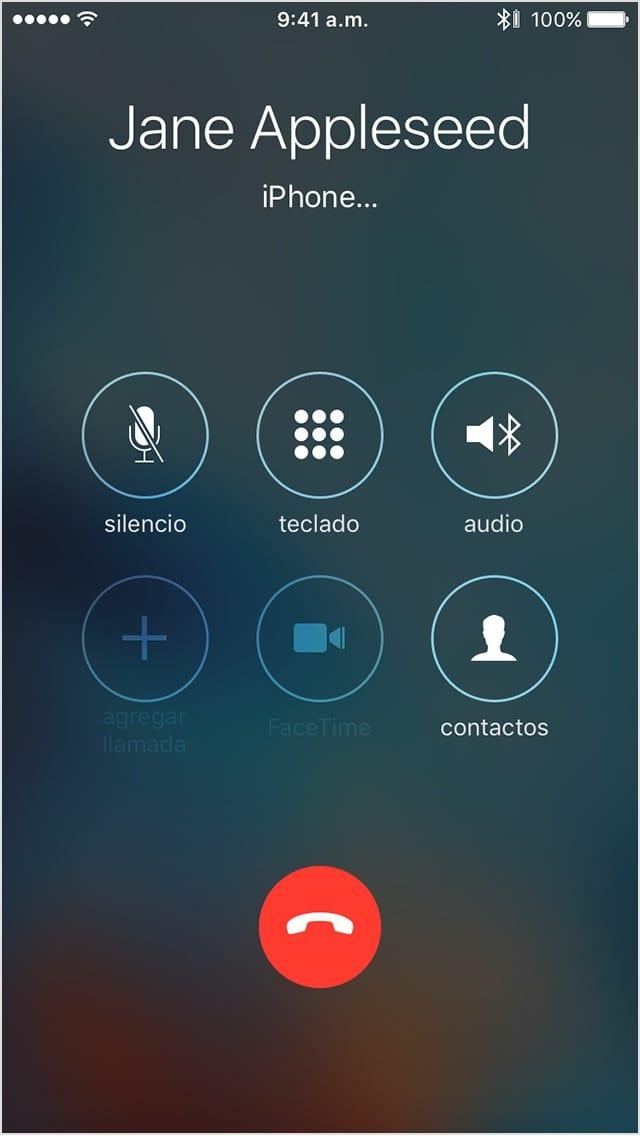 Interfaz de la app Teléfono durante una llamada