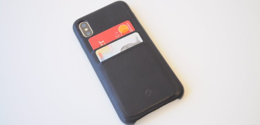 huge selection of a2fbc 8357b Twelve South Relaxed Leather y Journal, vistiendo con piel tu iPhone X