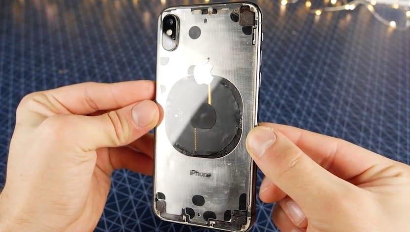 9ee5dabaf1e Cómo dejar la tapa trasera del iPhone X totalmente transparente