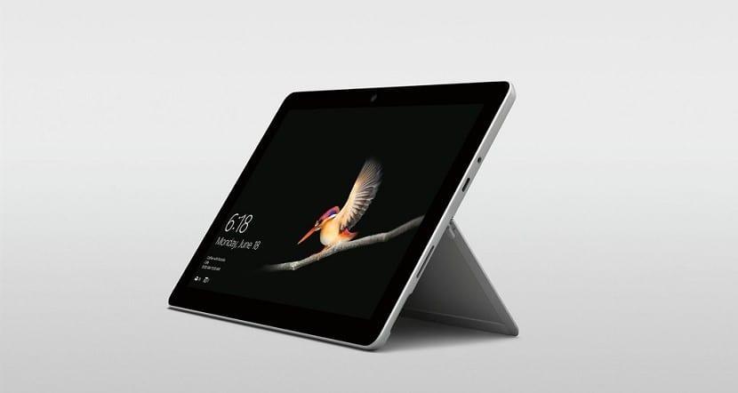 La nueva Surface Go de Microsoft quiere ser una alternativa al iPad