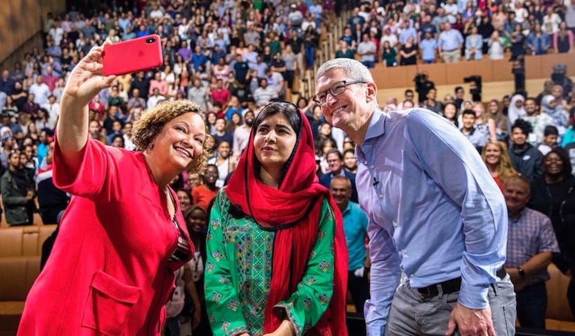 Malala Yousafza, llena el Steve Jobs Theater del Apple Park