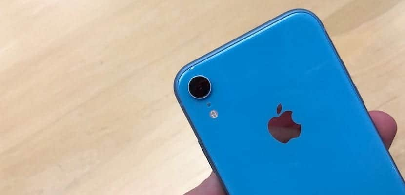 iPhone XR en color azul