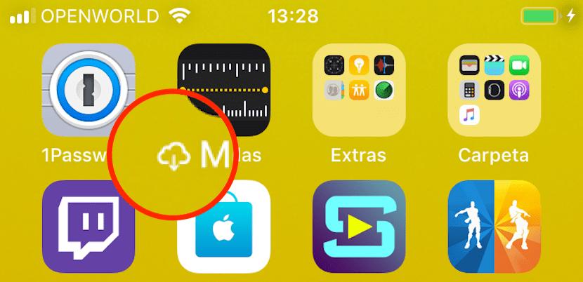 Símbolo nube flecha hacia abajo iPhone