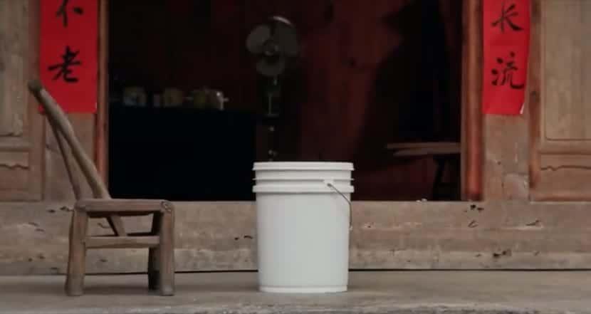 Anuncio Apple The Bucket