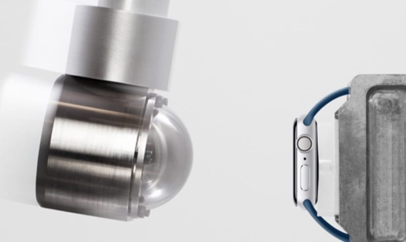 Pendulo golpeando Apple Watch