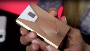 Funda Apple Card para millonarios