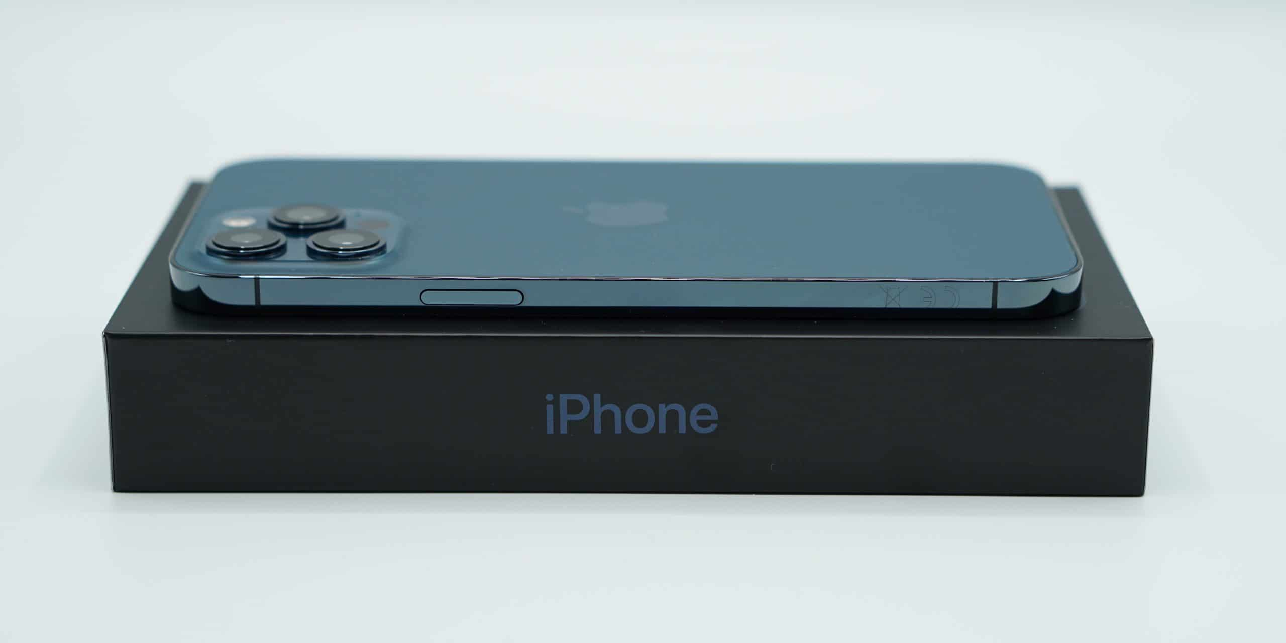IPhone doce Pro Max y caja