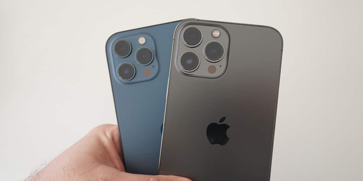 IPohne 12 Pro Max y iPhone 13 Pro Max juntos